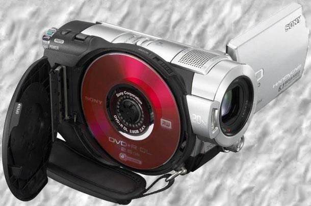 videokamera-s-zapisyu-na-DVD-disk