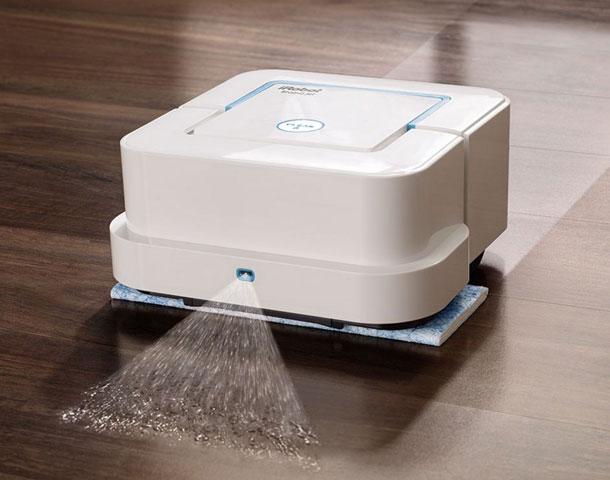 robot-pylesos-opredelyaet-zagryaznenie-i-moet