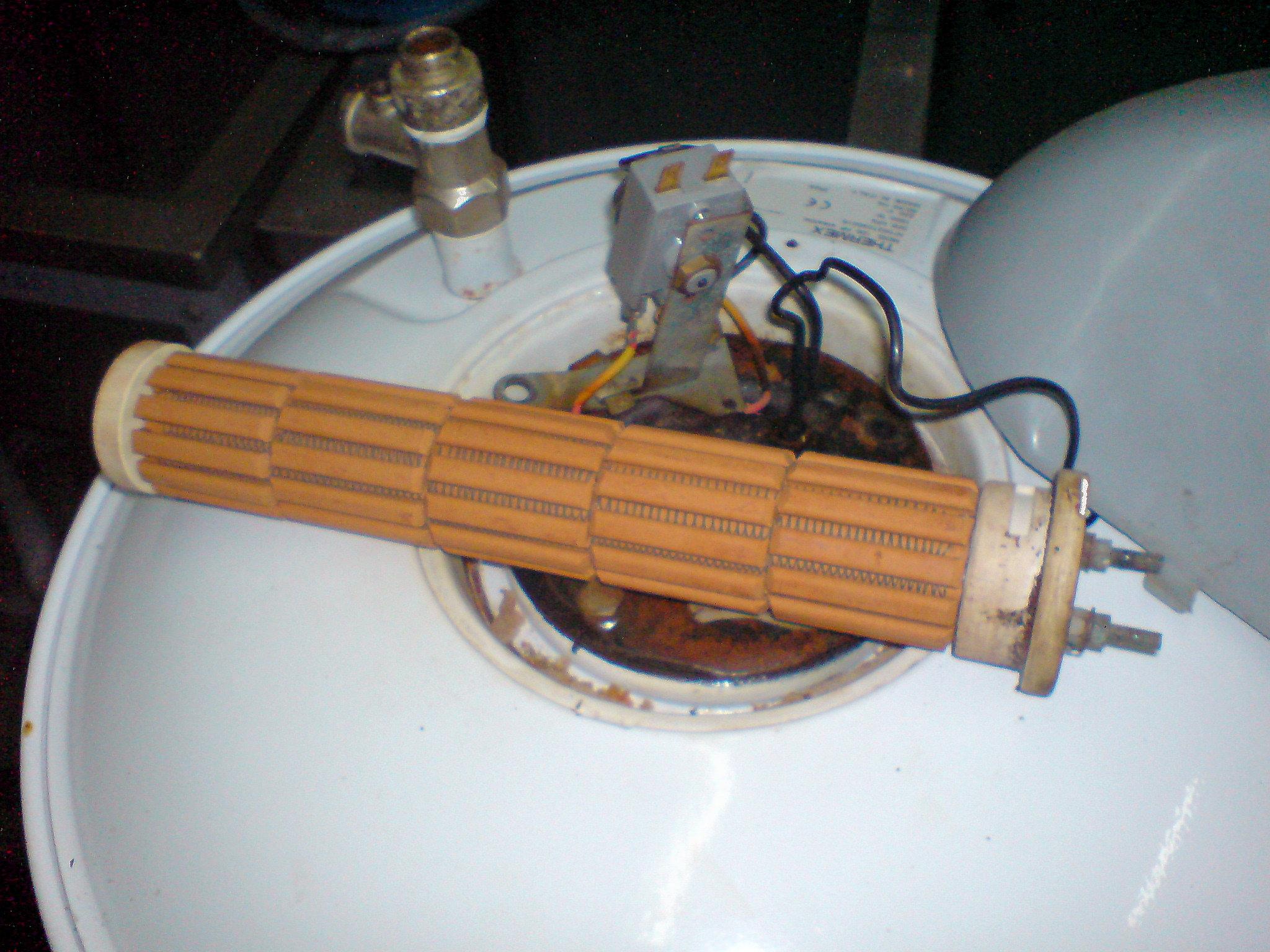 извлечение тэна из водонагревателя