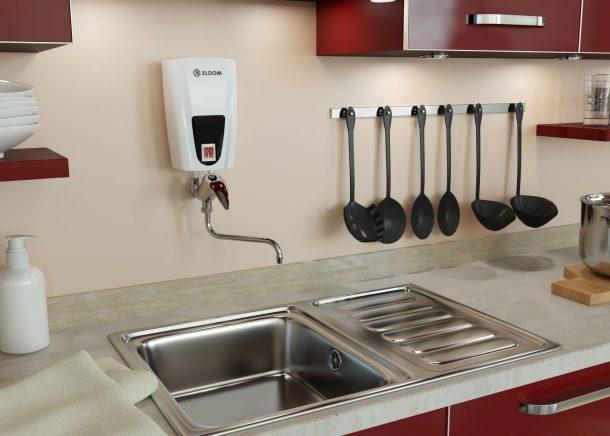 проточный водонагреватель на кухне