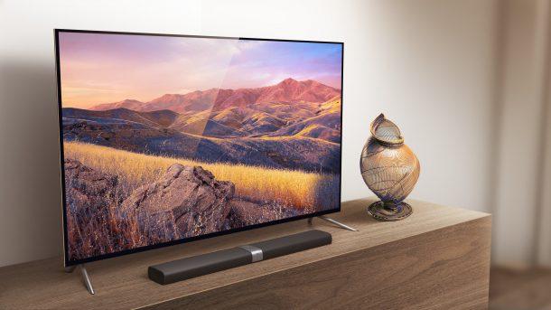 телевизор в комнате на тумбочке