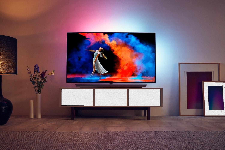по советам экспертов Philips OLED 973 в гостиной