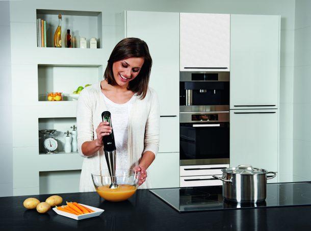блендер на кухне для хозяйки, как помощник