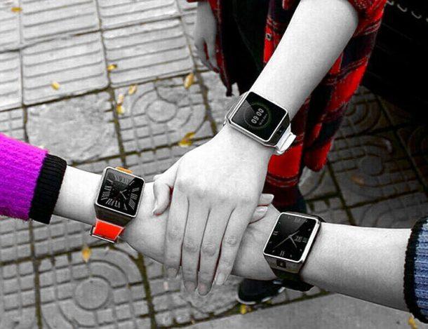 мультимедиа смарт часы у 3 человек