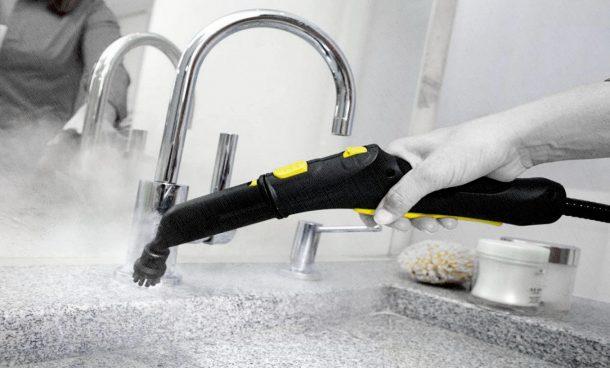 мойка пароочистителем ванной комнаты
