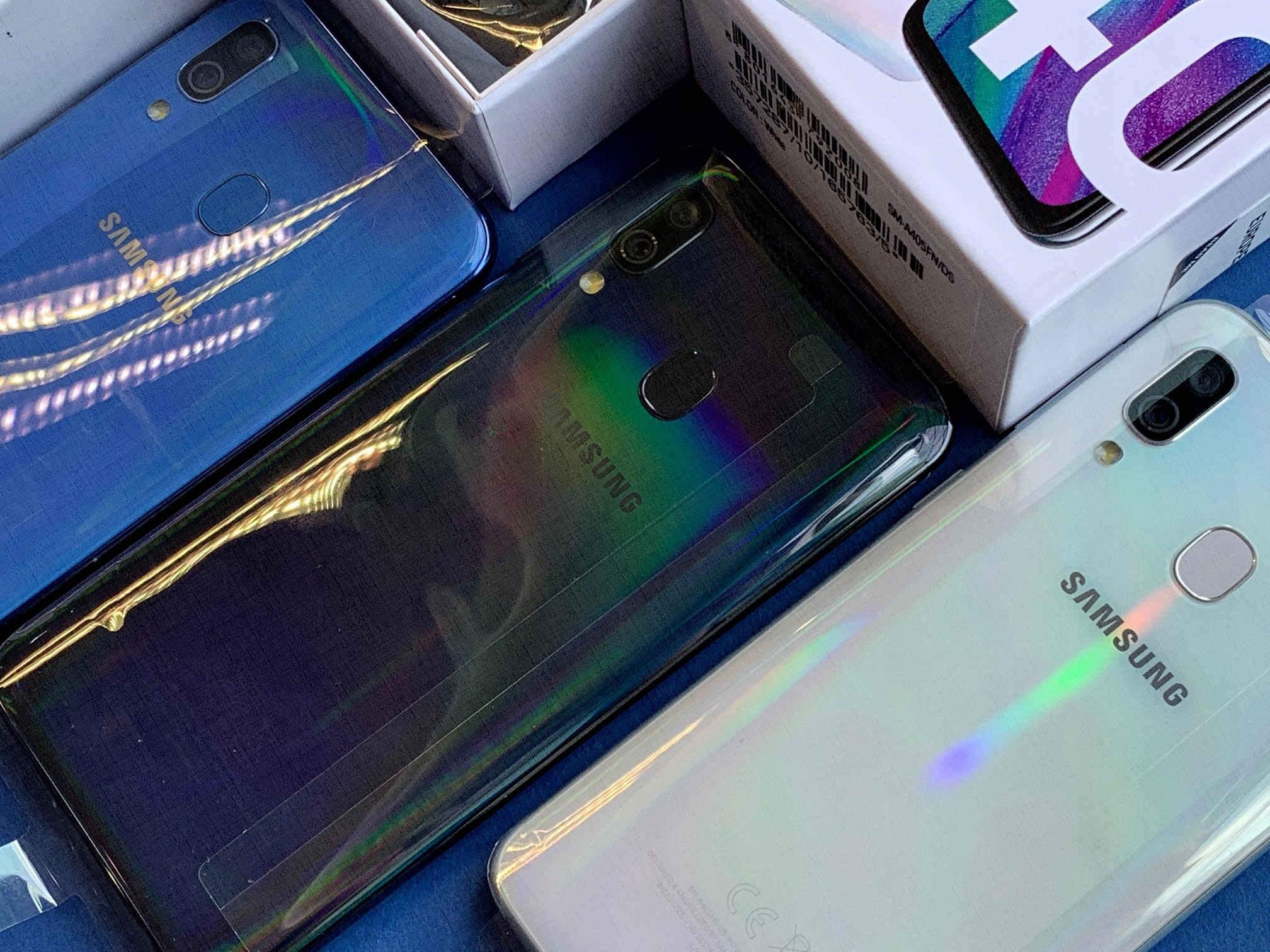 отзывы какой лучше Samsung Galaxy A40
