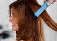 выпрямляем девушке волосы выпрямителем для волос
