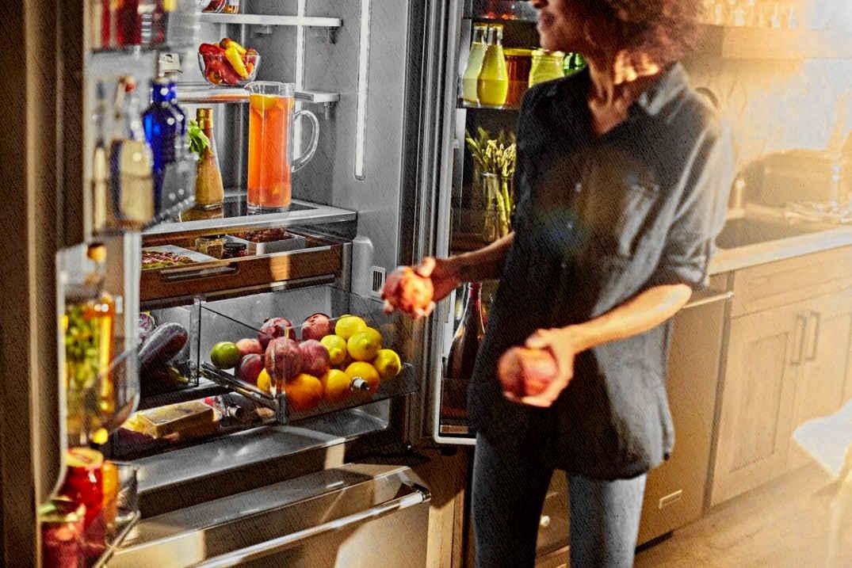 интересные модели холодильников под любой интерьер