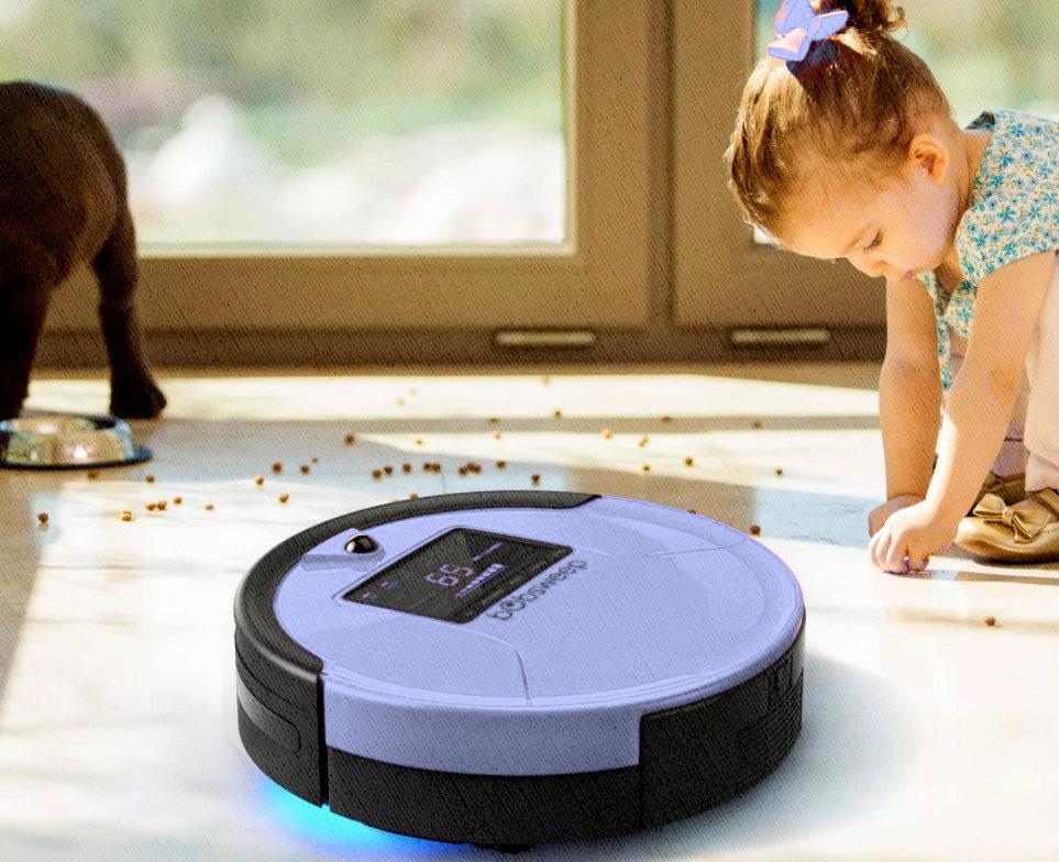 собака рассыпала корм девочка убирает вместе с роботом пылесосом