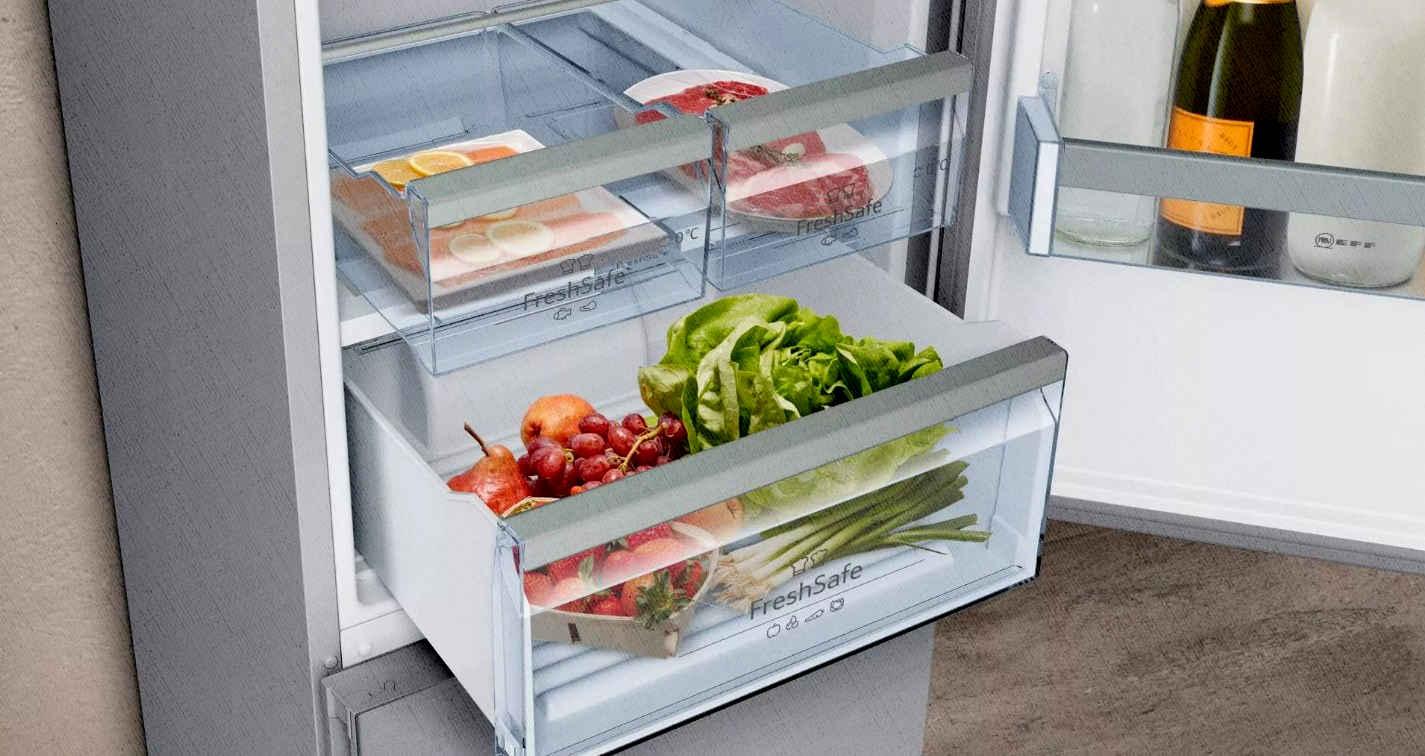 холодильник лучший по отзывам и цене показывает свою вместимость и зоны свежести на кухне