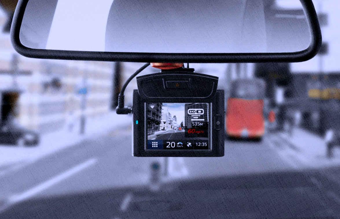 видеорегистратор в работе в городе с радар-детектором