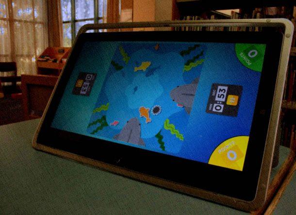 большой планшет не очень для пользования ребенком, поэтому лучше 7-8 дюймов