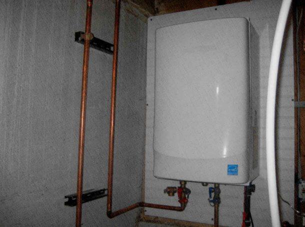 водонагреватель накопительный который висит на даче