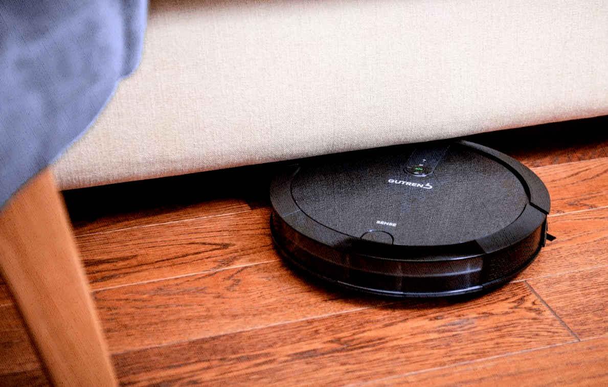 модель робота пылесоса, которая помещается под кроватью, а самое главное, она качественная