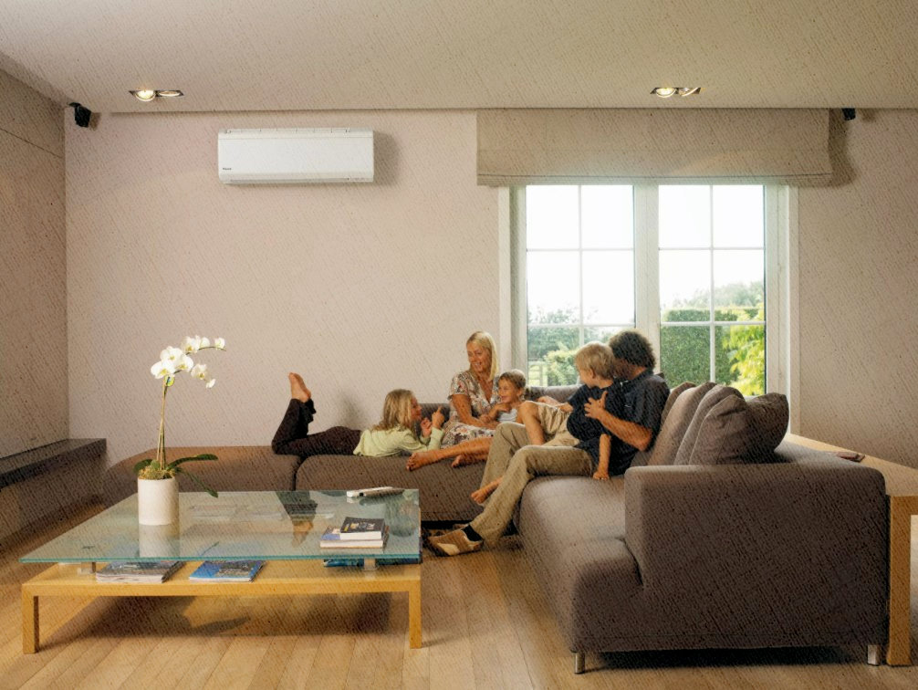 вся семья сидит под кондиционером, который не дает перепадов температур, поэтому никто и не болеет