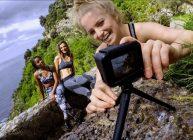 экшн камера из рейтинга Ростислава Кузьмина за 2021 год снимает трех девушек