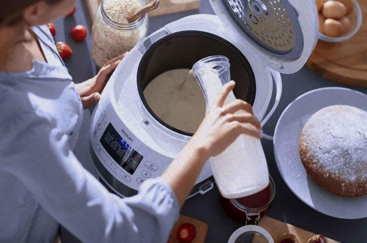 в мультиварке из рейтинга Ростислава в 2021 году можно приготовить даже хлеб что девушка и делает